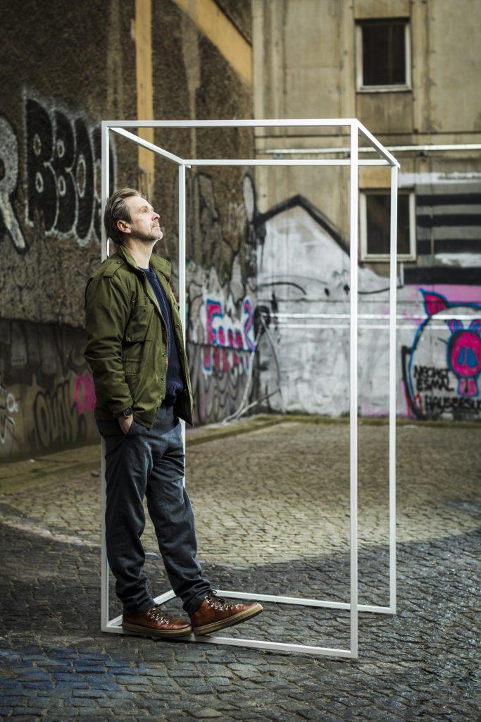 Matthias Matschke-nachdenklich
